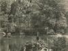 paris-buttes-chaumont-lac-rochers-hommes