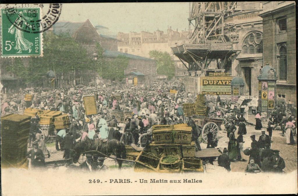 Paris - Un matin aux halles.