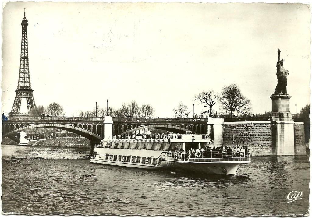 Pont de Grenelle et statue de la liberté en 1964.