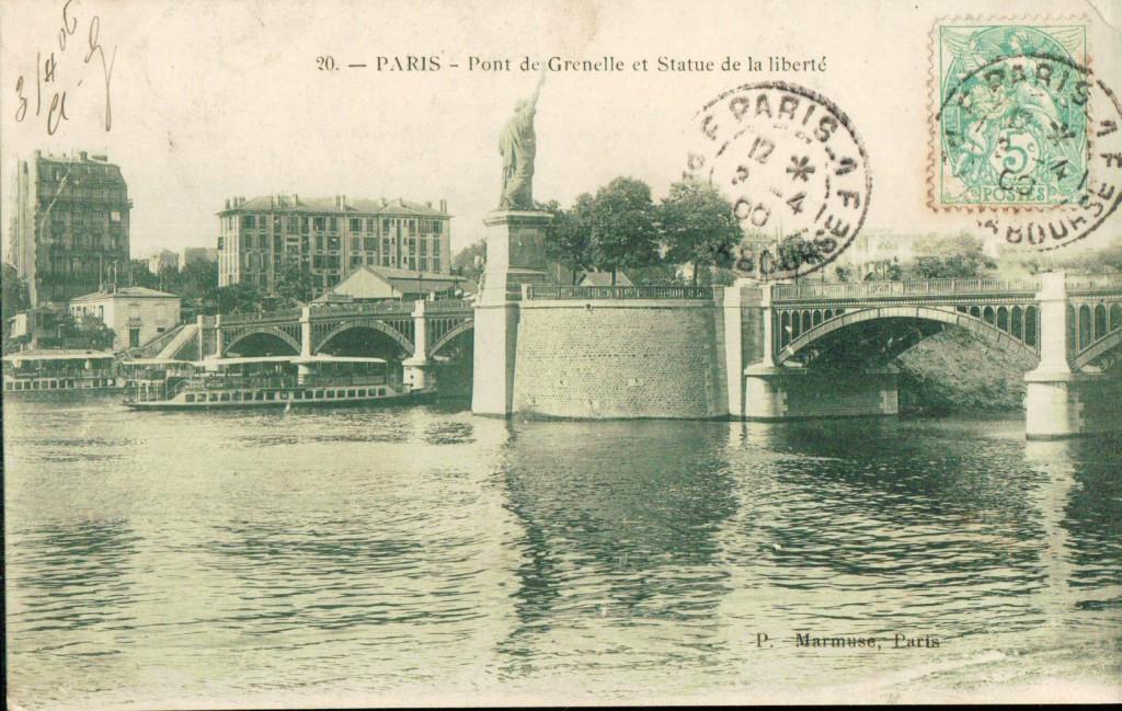 Pont de Grenelle et statue de la Liberté.