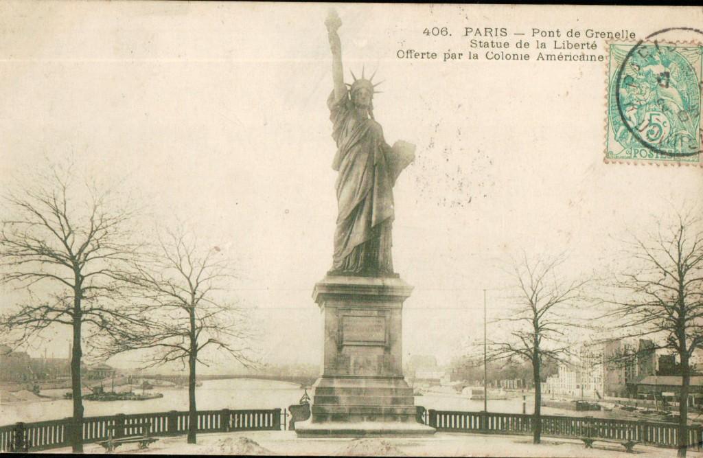 Carte postale statue de la liberté au pont de Grenelle.