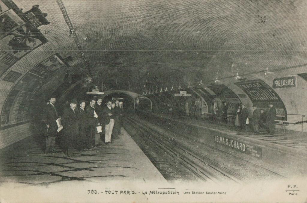 Station souterraine du Père Lachaise.