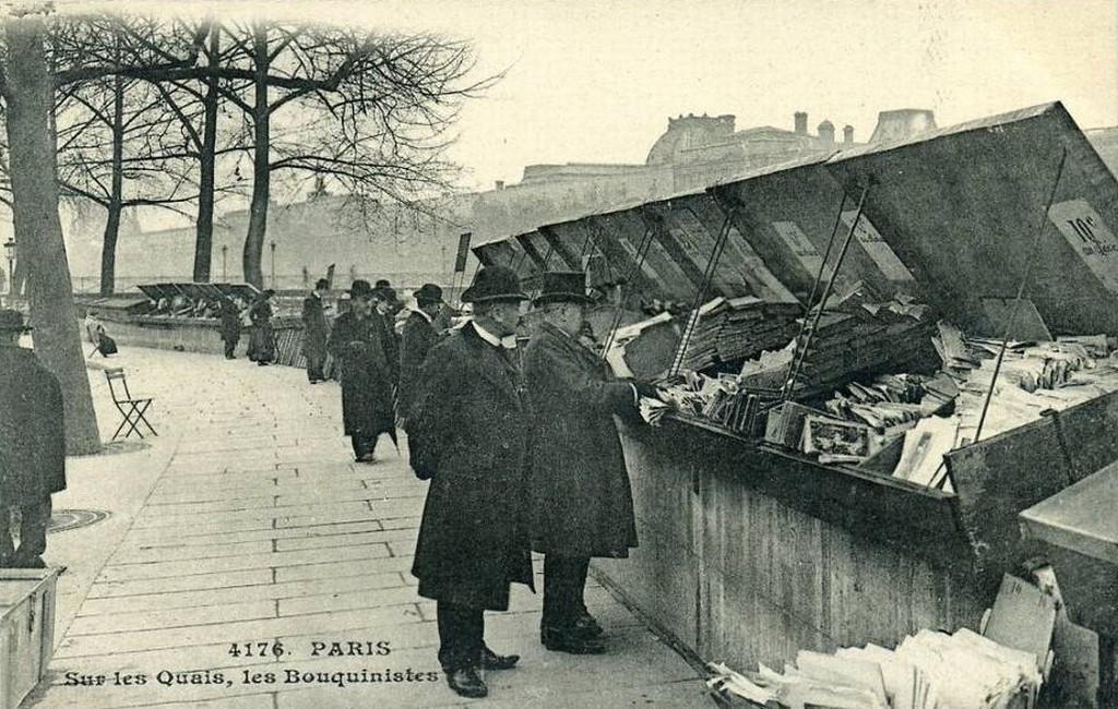 Paris - Sur les quais les bouquinistes.