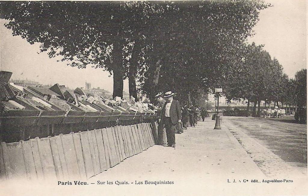 Paris Vécu - Sur les quais les bouquinistes.