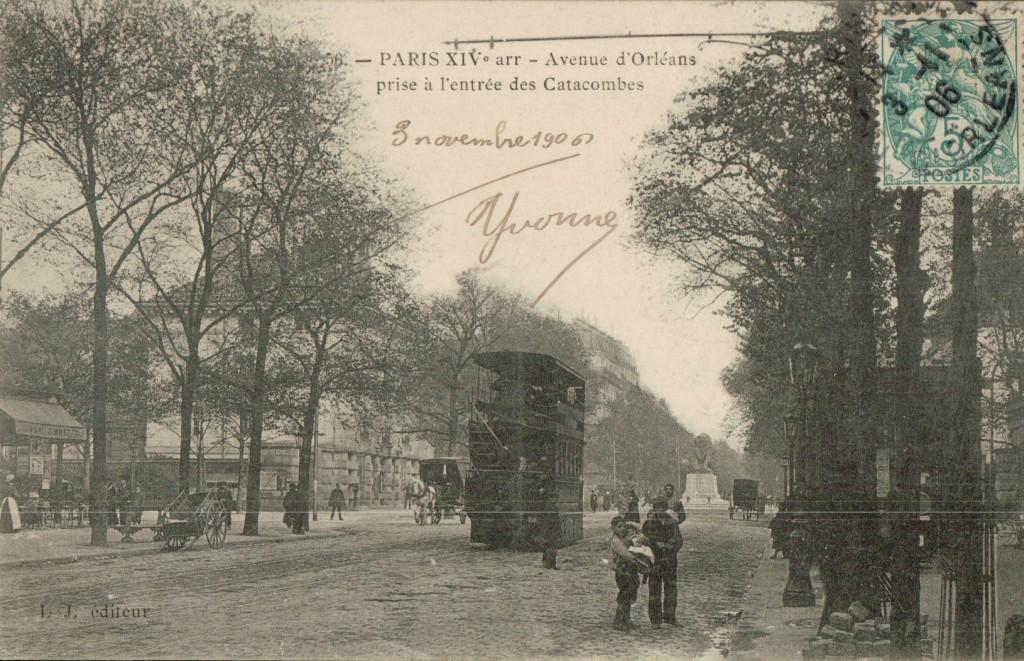 Paris XIVe arr. -Avenue d'Orléans prise à l'entrée des Catacombes.