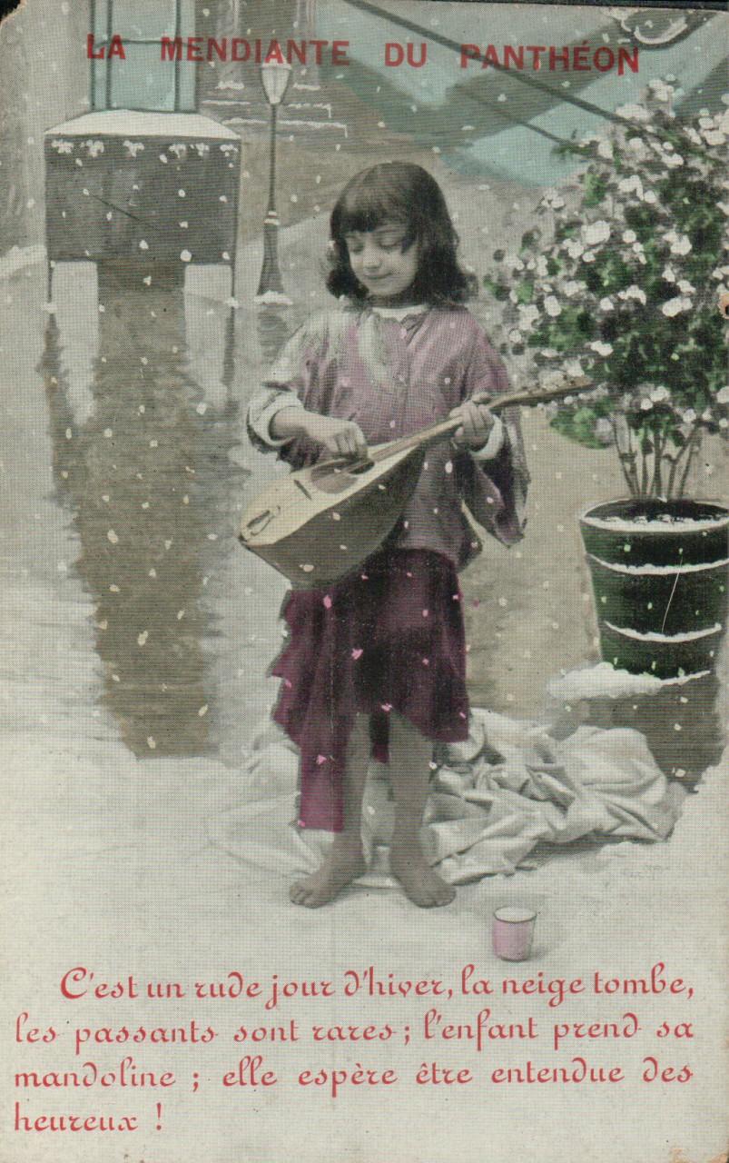 Petite fille jouant de la mandoline.